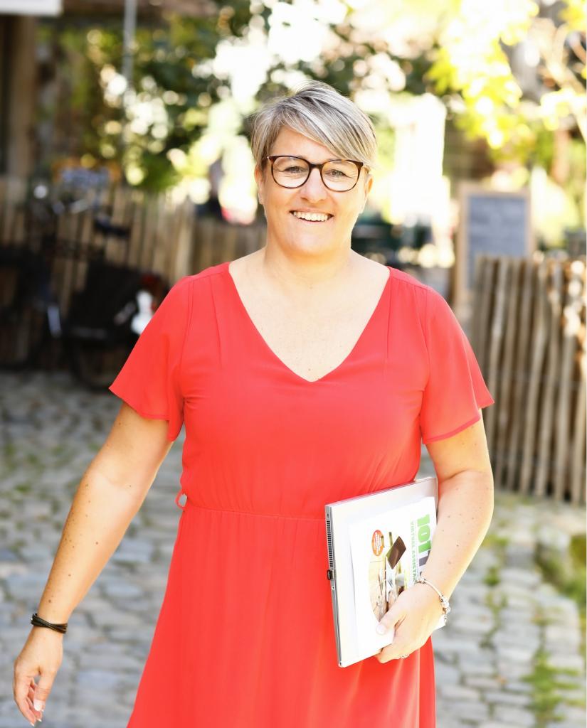 Virtual assistant Alison Stessens